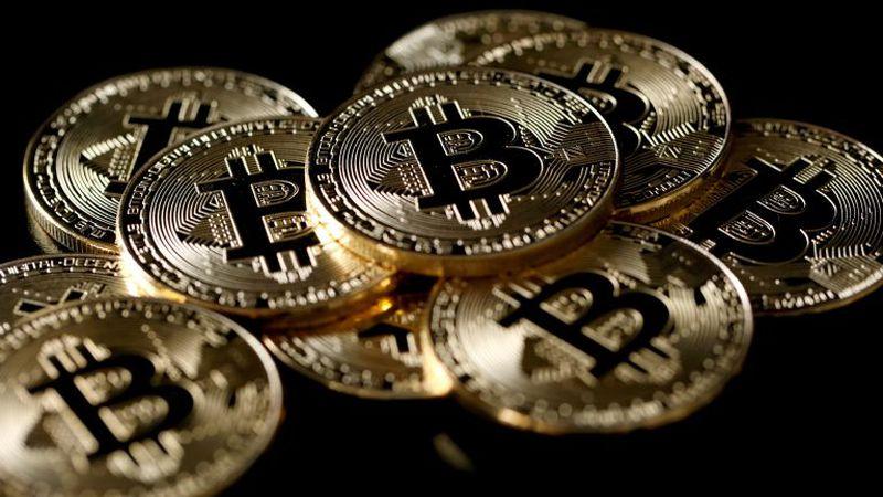 ¿El bitcoin podría terminar con el reinado del dólar?