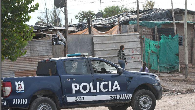 Una joven apuñaló a su marido luego de que la tomara del pelo y la arrastrara por la casa en Guaymallén