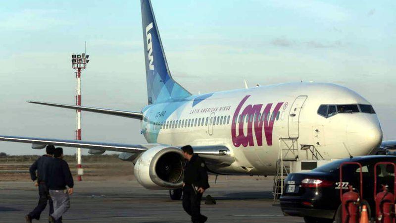 ¿Una low cost menos? La aerolínea LAW no está operando la ruta Mendoza - Santiago