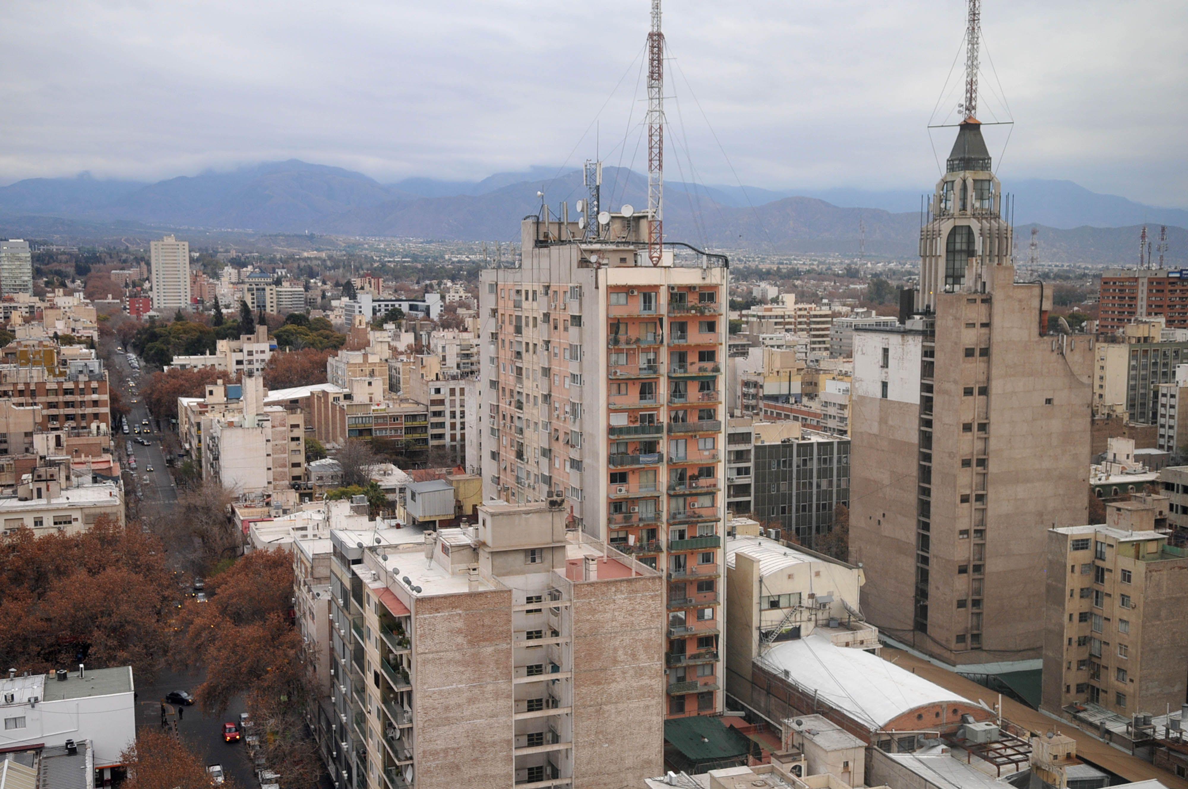 Los últimos sismos se percibieron con fuerza en el Gran Mendoza -  Orlando Pelichotti / Los Andes
