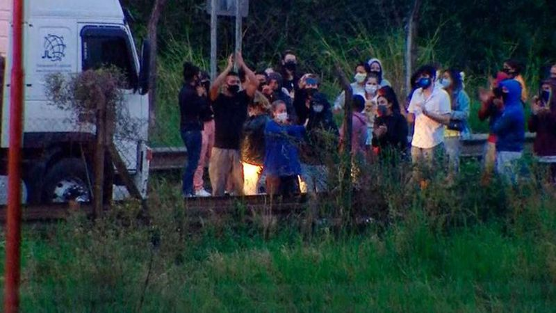 Un juez autorizó el ingreso a 86 argentinos y brasileños que estaban varados en la frontera de Paso de los Libres