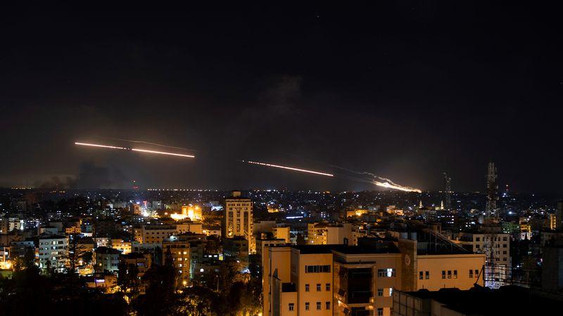 La violencia entre Israel y Palestina no cesa y durante la madrugada se produjeron nuevos bombardeos