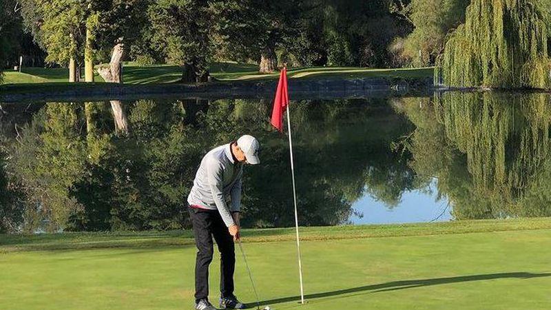"""Se disputó el torneo de golf """"Lagus"""" en el Andino con un premio que todos pudieron saborear"""