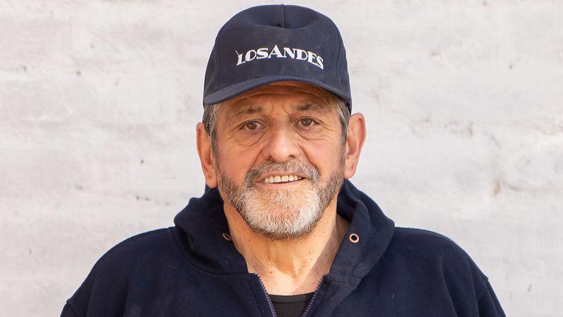 Mendocinos de verdad: Daniel, el canillita que lleva 43 años repartiendo noticias