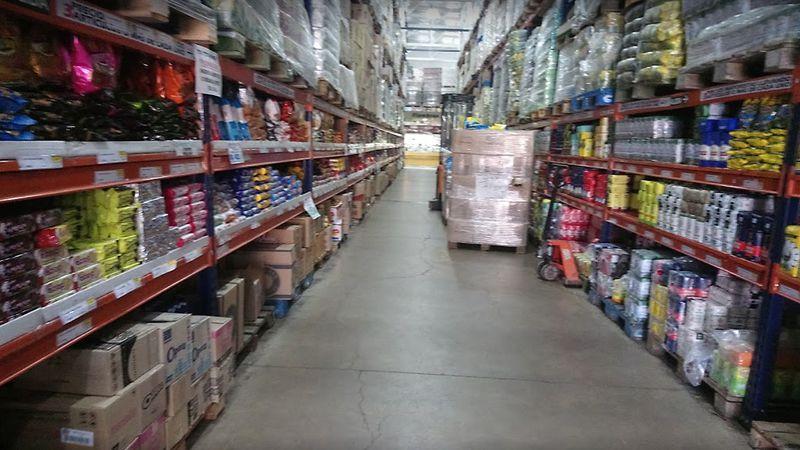Cerraron un supermercado mayorista en San Martín por un caso positivo de Covid-19