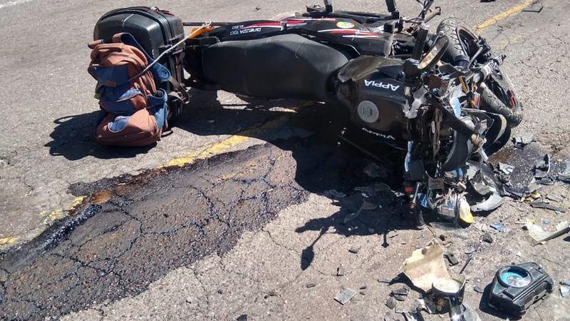 Un motociclista y su acompañante murieron en un choque frontal en Alta Montaña