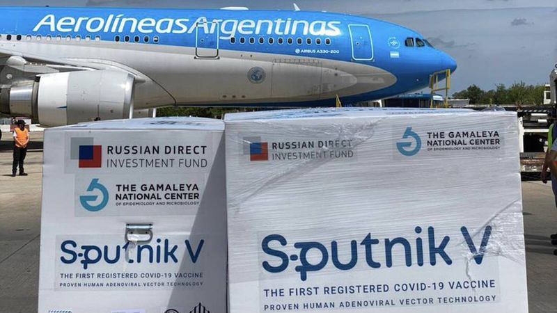 Partirá en la madrugada del sábado un nuevo vuelo a Rusia en busca de más vacunas Sputnik V
