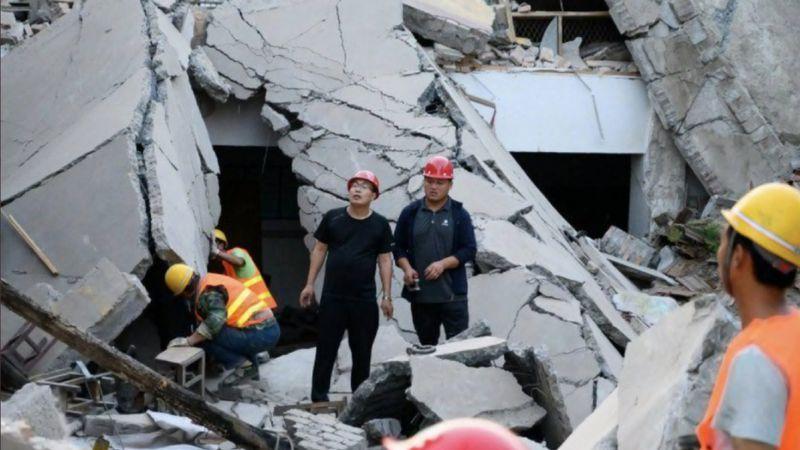 Se derrumbó un hotel en China: al menos un muerto y 10 desaparecidos
