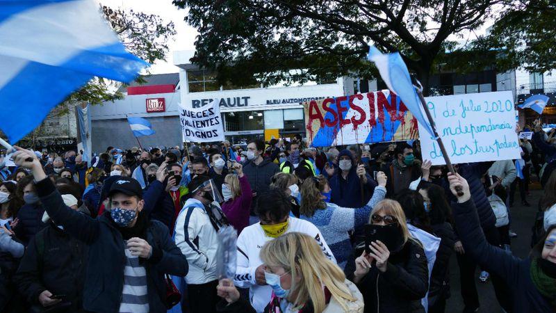 Banderazos en el país contra el Gobierno: hubo incidentes en el Obelisco porteño