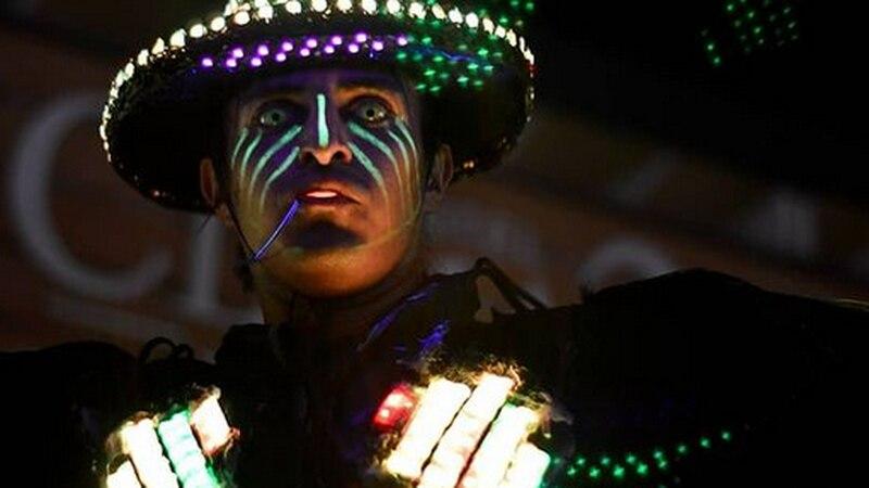 """La fantástica historia de Michelo, el """"robot"""" salteño que baila en la calle y es el argentino con más seguidores en TikTok"""