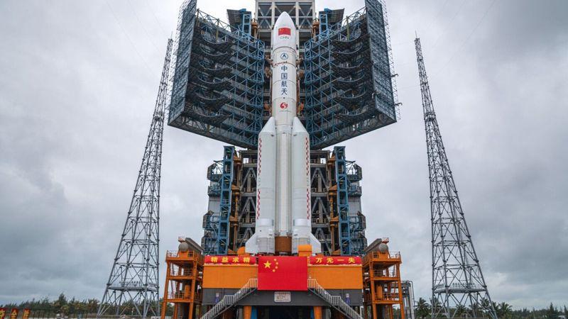 Alerta por el enorme cohete chino que vuelve a la Tierra: en qué zonas podría caer