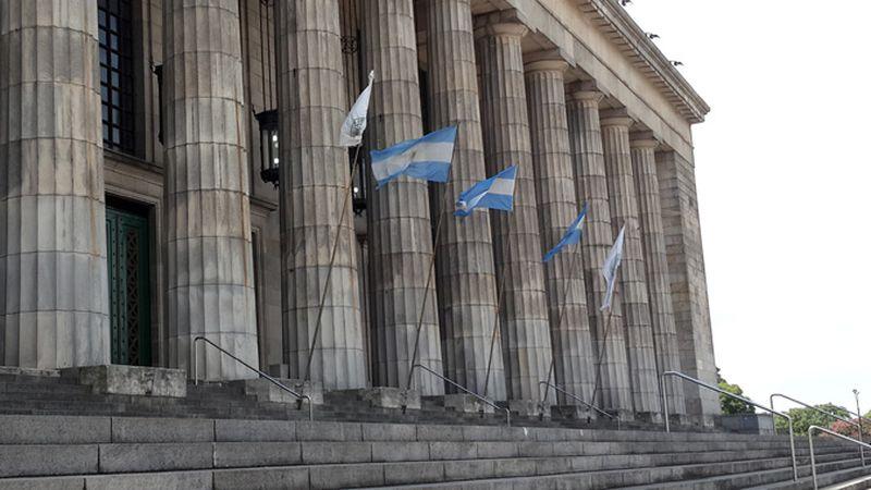 Ya se pueden hacer trámites on line para ingresar a la Universidad de Buenos  Aires