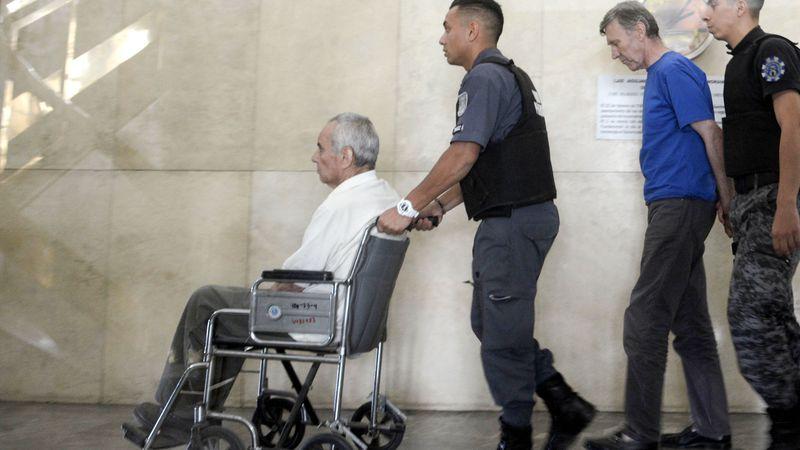 """A un año de la condena por los abusos en el Próvolo, Corbacho predica para otros presos y Corradi está """"más ciego y sordo"""""""