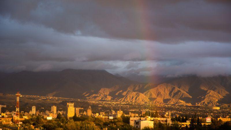 """Pronóstico en Mendoza: ¿Continúan los días lluviosos o vuelve el """"calor"""" de otoño?"""