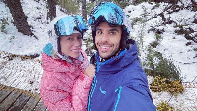 """Nicole Neumann subió la primera foto romántica con su novio en la Patagonia argentina: """"Tu rock..."""""""