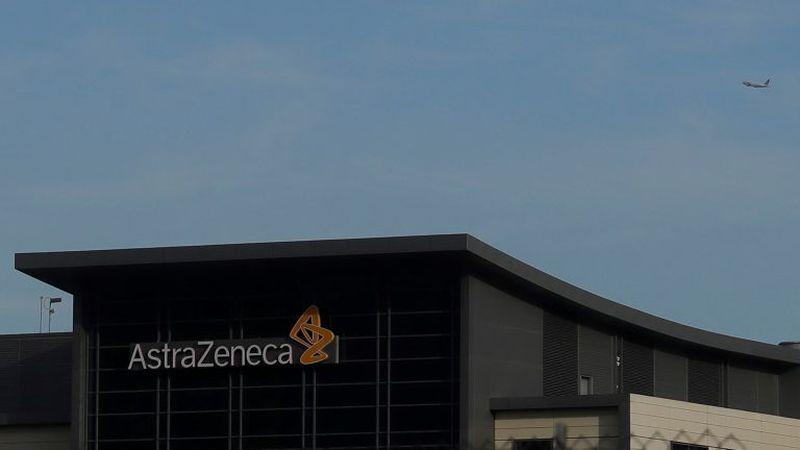 La OMS aconsejó seguir vacunando con AstraZeneca pero el martes se reúne para ver si es segura