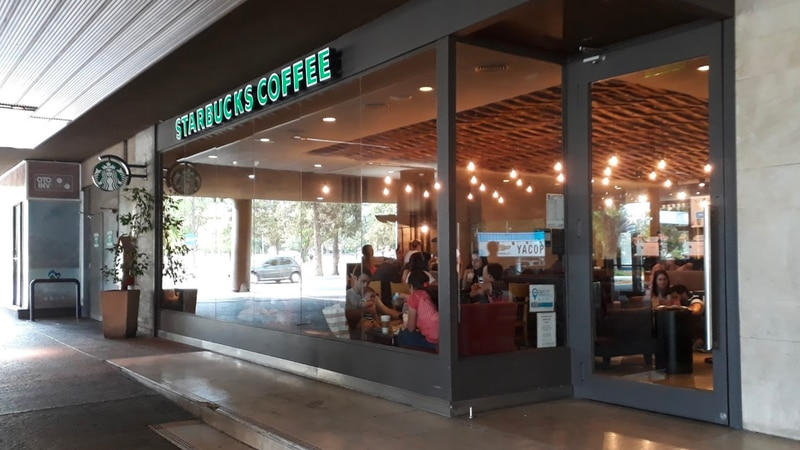 Cierran dos locales de Starbucks  y uno de Burger King en Mendoza