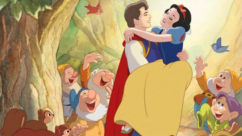 """Las escenas alternativas al """"beso de Blancanieves"""" que se hicieron virales"""