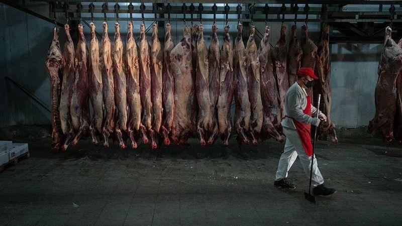 En las carnicerías desconfían del plan oficial para bajar los precios de cortes populares