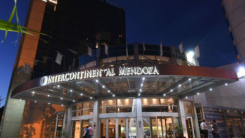 El ex hotel Intercontinental reabrió sus puertas, pero sigue sin marca