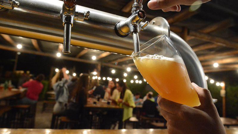"""Llegó a Mendoza el """"Netflix"""" de la cerveza: una pinta al día por $99 al mes"""