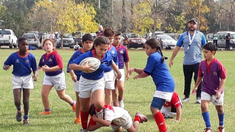 El rugby florece entre las niñas y adolescentes
