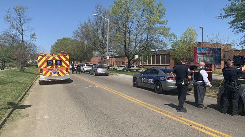 Tiroteo en una escuela secundaria de Tennessee: murió el presunto tirador que había herido a un policía