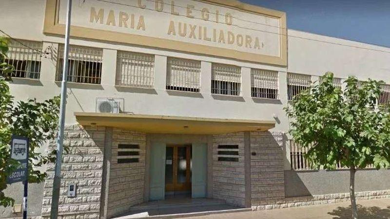 Niña trans sanjuanina: padres de alumnos fueron al colegio con abogados y escribano