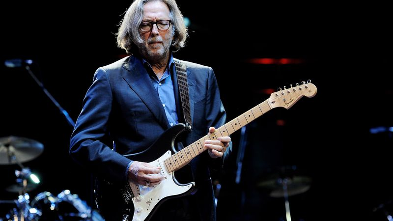 Sin discriminación: Eric Clapton afirmó que no tocará en espacios que exijan un público vacunado