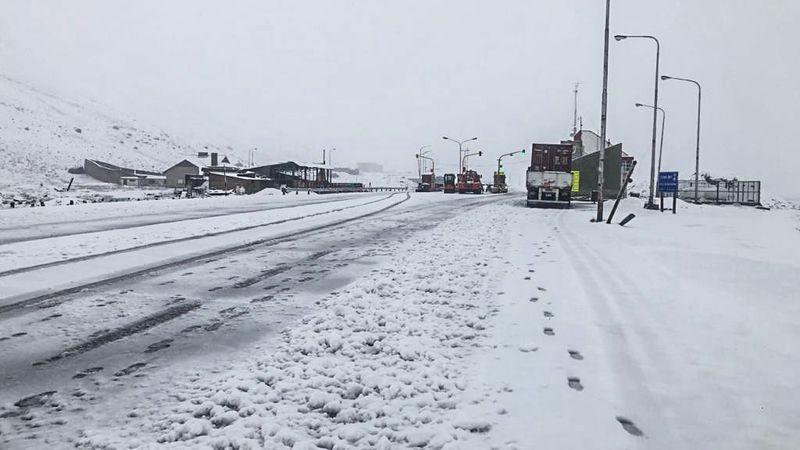 La tormenta provocó derrumbes y cortes de ruta en la Alta Montaña mendocina pero no causó daños