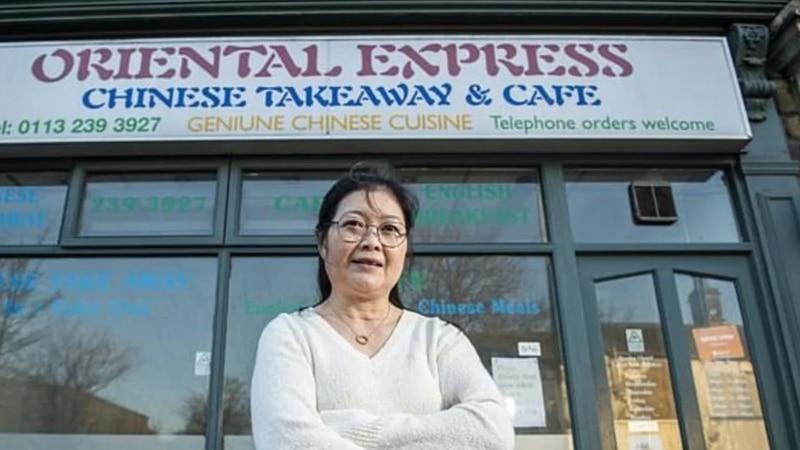 Las ingeniosas y delirantes respuestas de la dueña de una casa de comida china que es furor en las redes