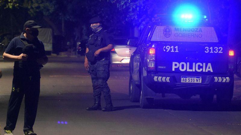 Hallaron a una mujer muerta en una finca en Luján e investigan las causas