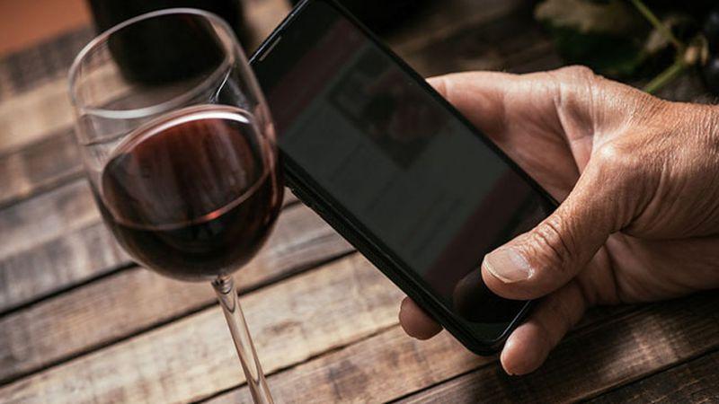 """Cómo es """"Catar"""", una app argentina de realidad aumentada que ayuda a conocer vinos"""