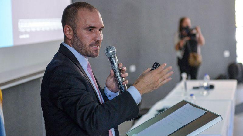 Guzmán desmintió rumores sobre la estatización de YPF: antes, el mercado reaccionó en contra