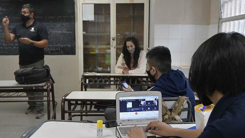 Nación insiste en que Mendoza debe suspender las clases presenciales