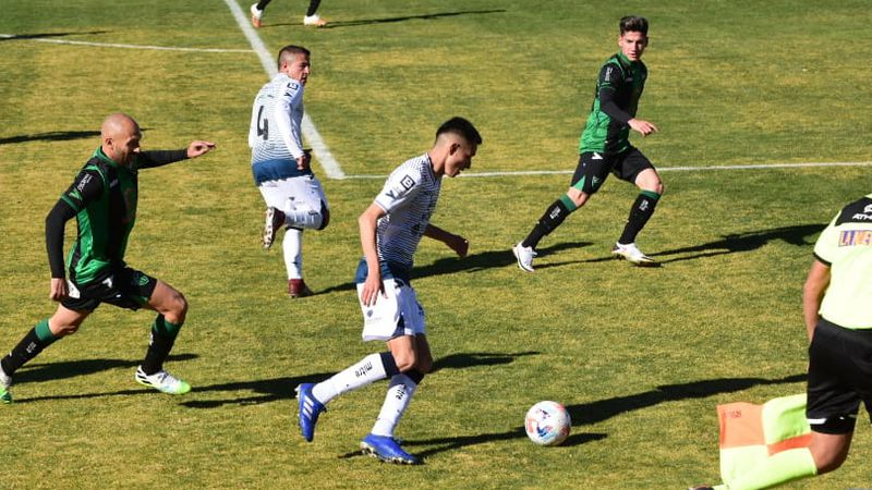 Sobre el final del partido, Independiente Rivadavia rescató un punto ante San Martín de San Juan