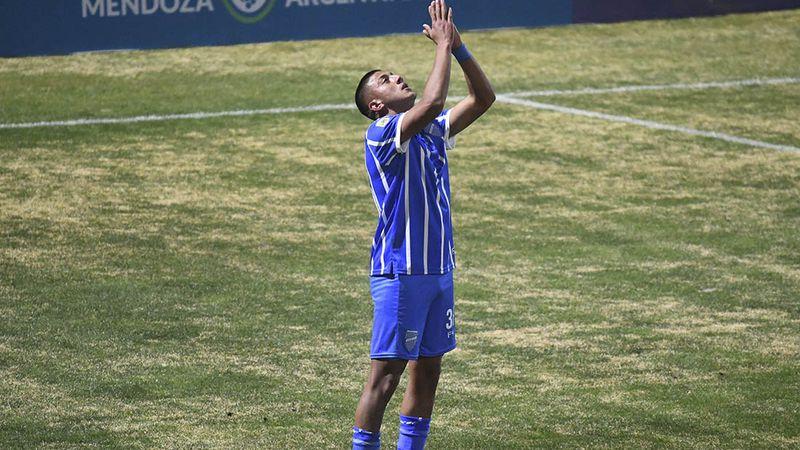 """Bruno Leyes, la nueva joya del Tomba: """"El gol fue para mi abuela que me ayudó desde el cielo"""""""