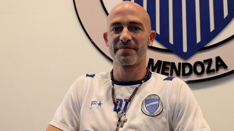 """Sebastián  Méndez: """"El fútbol fue mi salvación porque me sacó de la calle"""""""
