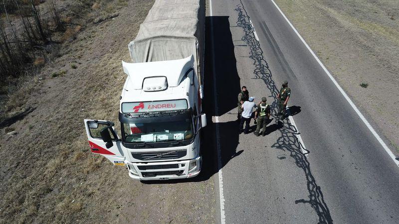 Detuvieron a un camionero que embistió contra el corte de productores en la ruta 188