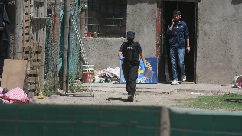 Batería de allanamientos por droga en Luján: decomiso de cocaína y marihuana y varios detenidos