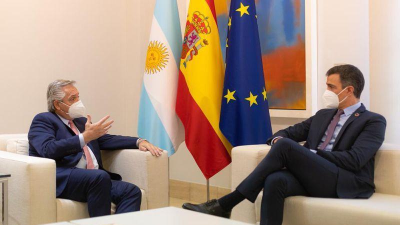 """Fernández agradeció a España el apoyo ante los planteos """"frente a la inmensa deuda heredada en 2019″"""