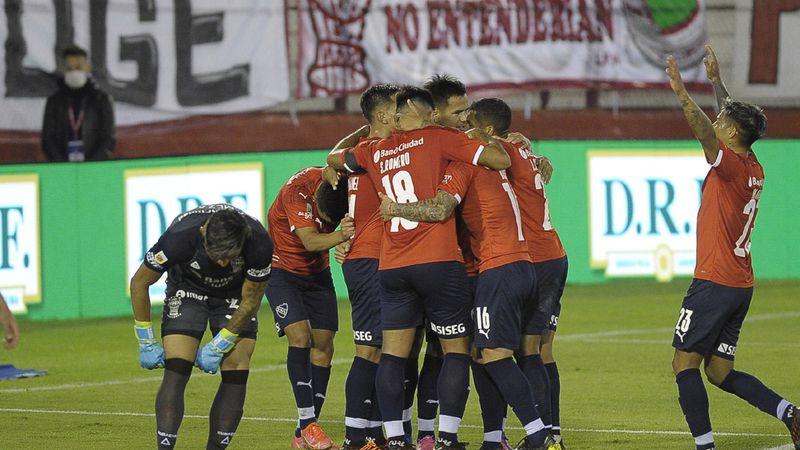 Independiente venció a Huracán y se clasificó a los cuartos de final de la Copa de la Liga Profesional