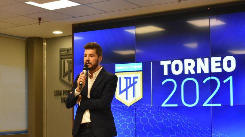 Conflicto en puerta: Boca asegura que Tinelli le confirmó la suspensión del partido con Banfield