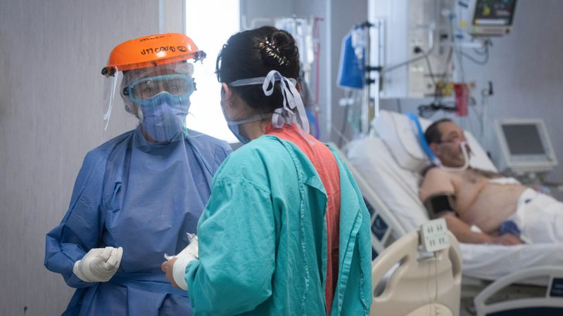 Mendoza superó los 5.000 mil contagios semanales y creció la ocupación de camas UTI