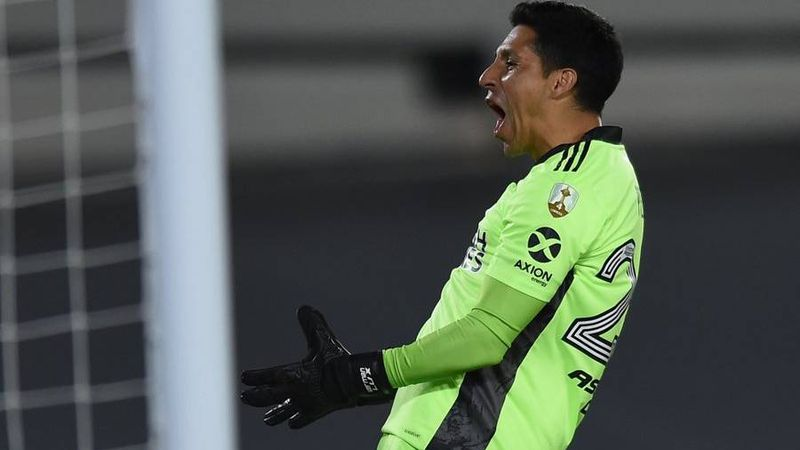 Amor sin fronteras por Enzo Pérez en el mundo River: los hinchas se acercaron a dejarle un agradecimiento en su camiseta