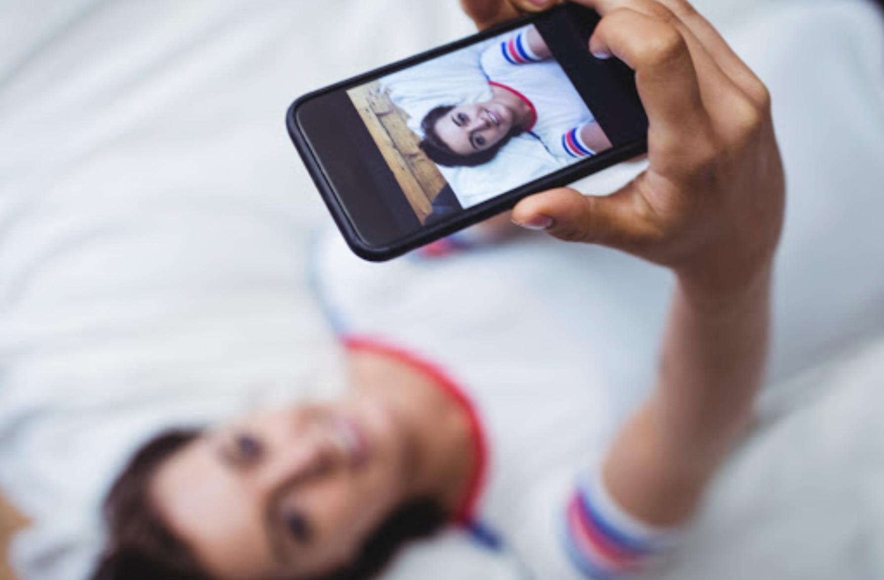 """Sexo, acoso y redes sociales: el lenguaje """"secreto"""" de los adolescentes en internet."""