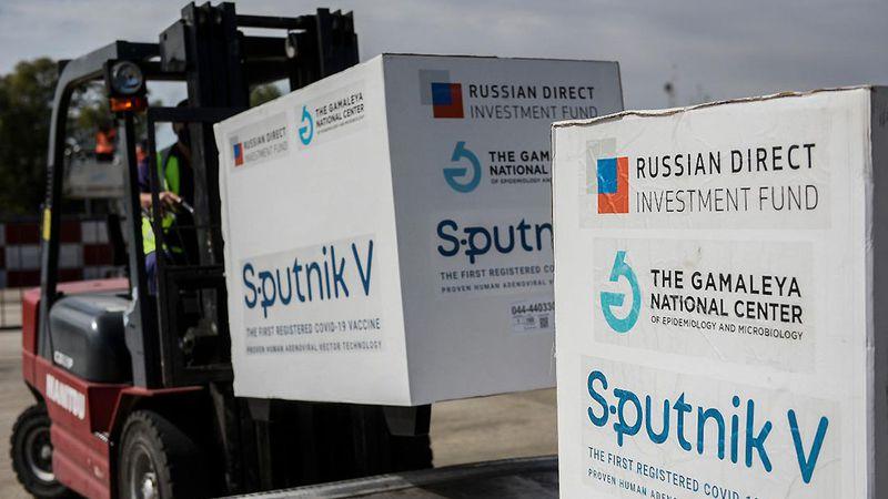 El director de la OMS sigue sin confirmar cuándo se aprobará la Sputnik V como válida contra el Covid-19