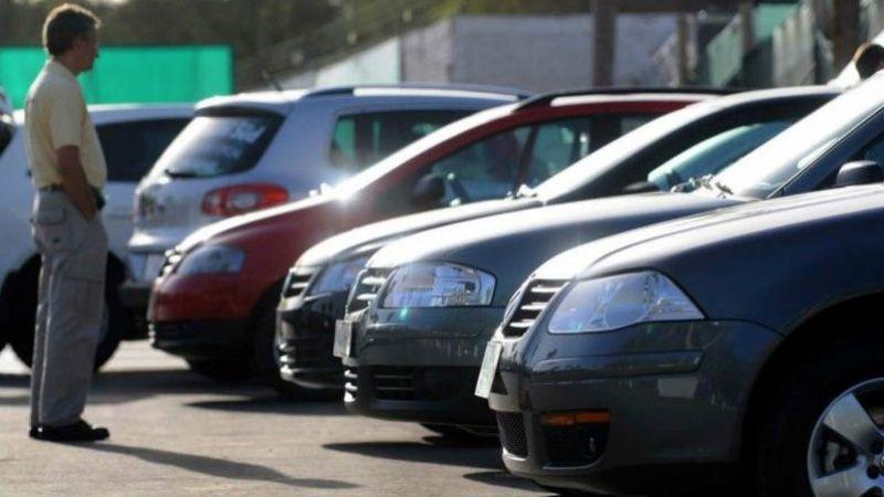 Por la escasez de autos 0 KM y la suba del blue, algunos usados aumentaron más del 50%