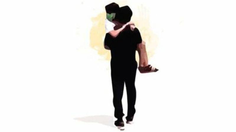 En brazos y con destino a casa: el dibujo de Abigail, la niña con cáncer, junto a su padre que se volvió viral