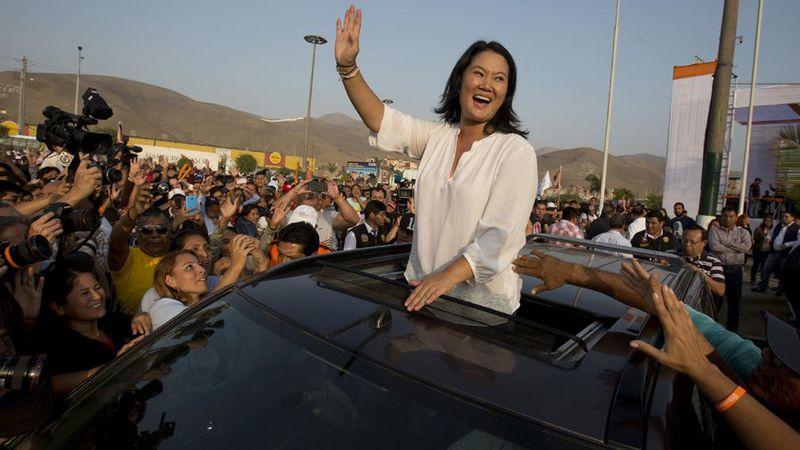 Perú entre dos autoritarismos